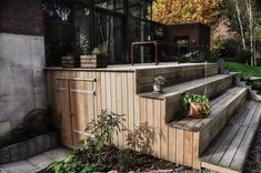 Dohmen & Ardelt – your joinery for gardens, windows, doors, awnings and restoration In the event you have a backyard … Terrace Design, Deck Design, Garden Design, Outdoor Spaces, Outdoor Living, Outdoor Decor, Casa Patio, Deck Stairs, Garden Windows