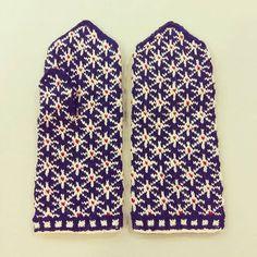 Ethnographic mittens – Tīnes.lv – adījumi no dabīgiem materiāliem