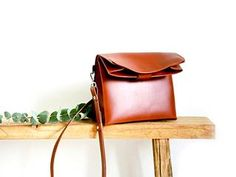 Paper Shoulder Bag Cognac 329 €.