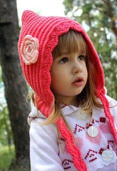 Kırmızı Başlıklı Kız Şapkası , , Kışa hazırlık olarak kızlarımıza çok şık bir şapka örüyoruz. Kırmızı başlıklı kız şapkası. Çok kolay bir model. Ama duruşu ço...