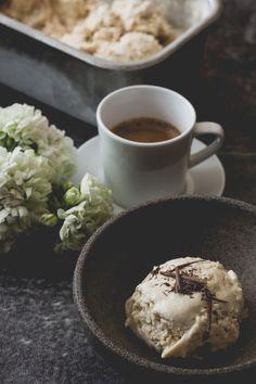 Kaffeglass på enklaste sätt, mitt söndagsstilleben (33) | Blomster&Bakverk Ice Cream, Tableware, Desserts, Food, Glass, Mamma, No Churn Ice Cream, Tailgate Desserts, Dinnerware