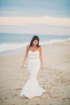 Beach bride: http://www.stylemepretty.com/delaware-weddings/2015/03/10/nautical-summer-wedding-on-rehoboth-beach/ | Photography: Rachel Pearlman - http://www.rachelpearlmanphotography.com/