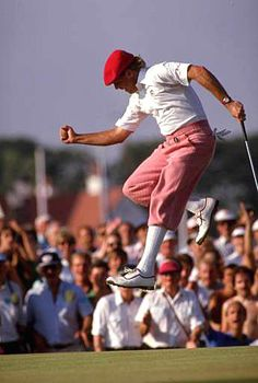 This was a fabulous man. Payne Stewart. He dressed the game of golf. Beautiful.
