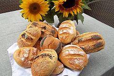 Die schnellsten Brötchen der Welt The fastest bread rolls in the world by Cooking Bread, Bread Baking, Cooking Recipes, Avocado Dessert, German Bread, Yummy Food, Tasty, Avocado Toast, Pizza Hut