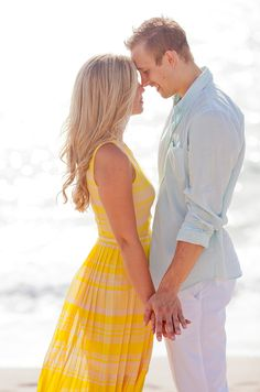 Stylish Palm Beach engagement session by capturedbyjen.com