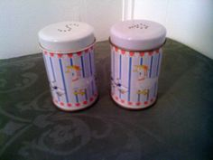 FREE SHIPPING Vintage Mom and Baby Duck Tin S&P Shakers by cappelloscreations, $17.00 @Etsy