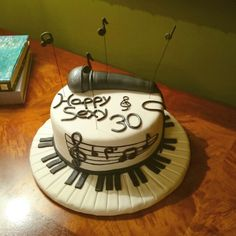 Music-birthday_cake#sugarpaste