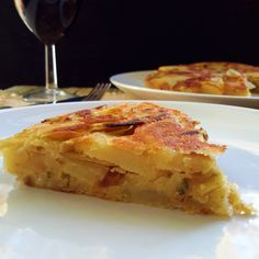 Vegan Spanish omelet with caramelized onions, roasted garlic and rosemary. An easy and delicious take on the traditional tortilla de patatas. Vegan Foods, Vegan Snacks, Vegan Meals, Healthy Foods, Healthy Eating, Dairy Free Recipes, Raw Food Recipes, Simple Recipes, Yummy Recipes
