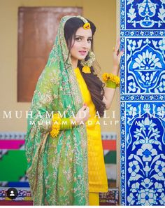 Bridal Hijab, Hijab Bride, Pakistani Wedding Dresses, Bridal Dresses, Mehndi Decor, Mehndi Art, Mehendi, Muslim Brides, Muslim Couples