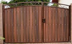 Sun King Fencing & Gates provides the highest quality custom wrought iron fences and gates to homes and businesses throughout the Phoenix Metropolitan Area. Wrought Iron Fence Panels, Wrought Iron Gates, Backyard Gates, Driveway Landscaping, Side Gates, Front Gates, Fence Design, Door Design, Iron Gates Driveway