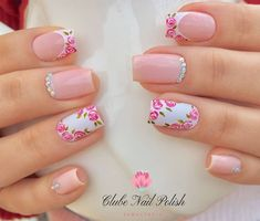 Image may contain: one or more people and closeup Gel Uv Nails, Rose Nails, Flower Nails, Nail Manicure, Square Nail Designs, Short Nail Designs, Nail Art Designs, May Nails, Fall Acrylic Nails