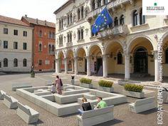 Labirint #Bellitalia street furniture. We provide products design, realization, master plans, landscape.