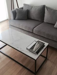 mesa ratona hierro y marmol