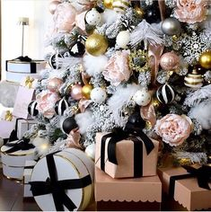 Yule style Noel Christmas winter Solstice Gorgeous and Glam Christmas ideas Black white pink Christmas Tree with touches of gold too Yule style Noel Christmas winter Solstice Gorgeous and Glam Christmas ideas Black white pink Christmas Tree with touc Rose Gold Christmas Decorations, Black Christmas Trees, Christmas Tree Themes, Noel Christmas, Winter Christmas, Christmas Lights, Christmas Ideas, Christmas Living Room Decor, Elegant Christmas