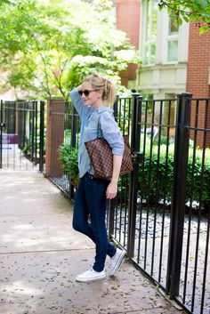 """My First """"Investment Bag"""" – And Living a Simpler Life – Kelly in the City – louis vuitton handbags neverfull Louis Vuitton Bags, Louis Vuitton Neverfull Damier, Neverfull Gm, Louis Vuitton Monogram, Cultura Pop, Womens Fashion, Fashion Trends, Fashion Fashion, Preppy Fashion"""