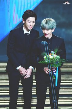Chanyeol 찬열 and Baekhyun 백현 // ChanBaek Sehun Oh, Exo Chanbaek, Kim Minseok, Baekhyun Chanyeol, Exo Ot12, Park Chanyeol, K Pop, Kris Wu, Taekook