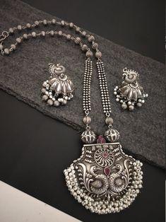 Silver Jewellery Indian, Silver Jewelry, Fine Jewelry, Antique Jewellery, Stylish Jewelry, Silver Bangles, Ethnic Jewelry, Jewelry Making, Wedding Necklace Set