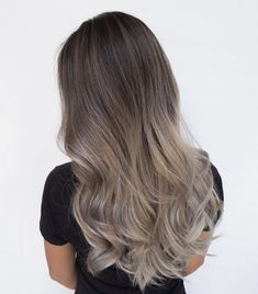 "1,548 mentions J'aime, 23 commentaires - VANCOUVER HAIRSTYLIST (@lo.reeeann) sur Instagram : ""When clients come back for their touch ups #FUCKBADHAIR #hotonbeauty #modernsalon…"""