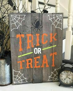 Halloween Trick or Treat Sign custom with your own stain and paint colors to personalize for your home decor. Would be adorable on a porch, too! Halloween Trick or Treat Sign Spooky Halloween, Fete Halloween, Halloween Trick Or Treat, Halloween Printable, Halloween Foods, Halloween Design, Halloween Stuff, Halloween Treats, Halloween Makeup