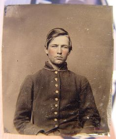 Unidentified solider in Union uniform, hand-colored tintype c. 1861-5