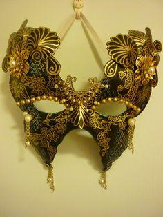PaperArtsy: GD: Liz Borer Project #3 Mardi Gras Mask