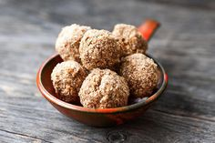 Dateless protein balls. Perfect for the person who wants a quick, healthy snack, dessert or breakfast on the run without the extra sugar from dates.