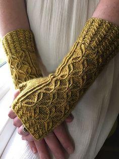 Ravelry: Vintage Gloves by jwishart .- Ravelry: Vintage-Handschuhe von jwishart Ravelry: Vintage Gloves by jwishart - Fingerless Gloves Knitted, Knit Mittens, Knitting Socks, Knitting Needles, Vogue Knitting, Loom Knitting, Knit Sweaters, Knitting Machine, Ravelry