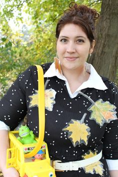 An Old Story: DIY: Miss Frizzle Halloween Costume    S could go as Dorothy Anne. ;)