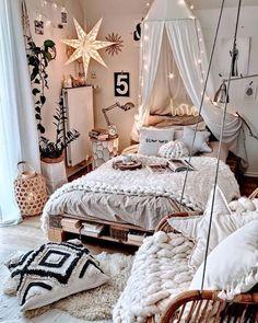 Bedroom Inspiration Cozy, Cute Bedroom Ideas, Room Ideas Bedroom, Girls Bedroom, Boho Teen Bedroom, Bedroom Wall, Blue Bedrooms, Bedroom Modern, Dream Bedroom