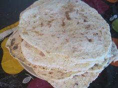 Att göra egna glutenfria tortillabröd var jätteroligt. Snabb får man vara och helst två stycken när man gör dom. De var goda, mjuka och per...