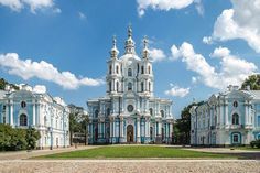 Cathedral of the Resurrection, Smolny Convent. by Bartolomeo Francesco Rastrelli Russian Architecture, Classic Architecture, Architecture Details, Blue Building, Berlin City, Peter The Great, Winter Palace, St Petersburg Russia, The Beautiful Country