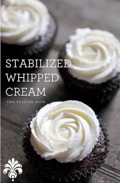 How to make Stabilized Whipped Cream that holds up for days! --- TO DECARB: Replace sugar with sweetener of choice. How to make Stabilized Whipped Cream that holds up for days! --- TO DECARB: Replace sugar with sweetener of choice. Icing Recipe, Frosting Recipes, Cupcake Recipes, Baking Recipes, Cupcake Cakes, Dessert Recipes, Baking Tips, Stabilized Whipped Cream Frosting, Stable Whipped Cream Frosting