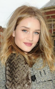Rosie Huntington Whitely most perfect hair color!