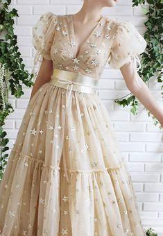Pretty Dresses, Beautiful Dresses, Princes Dress, Modest Fashion Hijab, Fancy Gowns, Princess Outfits, Grad Dresses, Dream Dress, Designer Dresses