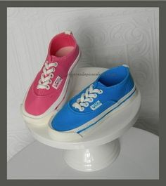 Cake Toppers #2: Vans Shoe Cake topper Tutorial - by MelSugarMama @ CakesDecor.com - cake decorating website