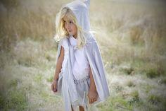 Sweet Marnie Princesas de Cuentos Princesa Olimpia Falda tul y capa terciopelo