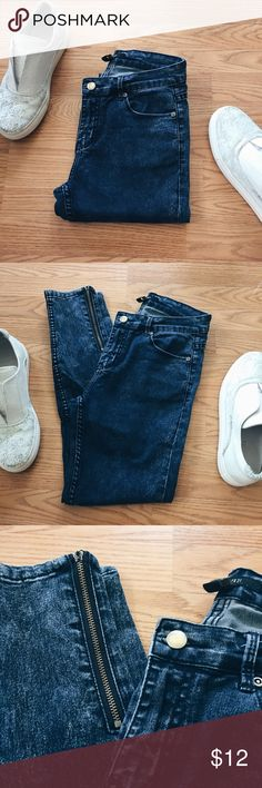 ▪️F21 Acid Wash Zippered Ankle Jeans▪️ ▪️Product Description▪️ ▫️Dark acid washed skinny jeans with edgy, metallic zippers on the ankles ▫️Looks badass with boots, a band tee, and fun choker   ▪️Fit: True to size, high rise fit, skinny  ▪️Condition: Gently used. Right ankle zipper is missing the pull, however it still works with ease (photo included)  ▪️Measurements: Approx/Laying Flat ▫️Inseam: 26.5  ▫️Waist: 13.5 inches  ▫️Ankle Zipper Length: 6.25 inches Forever 21 Jeans Skinny
