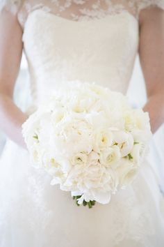 Pure White Bouquet - So Beautiful! On SMP: http://www.StyleMePretty.com/southeast-weddings/2013/09/19/elegant-jacksonville-wedding-at-tpc-sawgrass-from-mak-photography/ mak photography