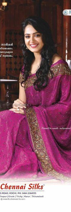 New Fashion : Anushka shetty Beautiful Girl Indian, Most Beautiful Indian Actress, Beautiful Saree, Beauty Full Girl, Beauty Women, Saris, Ethnic Fashion, Indian Fashion, Women's Fashion