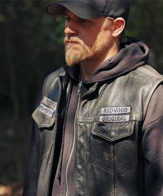 Tommy Flanagan and Charlie Hunnam in Sons of Anarchy Josh Bridges Crossfit, Van Dyke Beard, Sons Of Arnachy, Bridge Workout, Sons Of Anarchy Motorcycles, Tommy Flanagan, Charlie Hunnam Soa, Ragnar Lothbrok