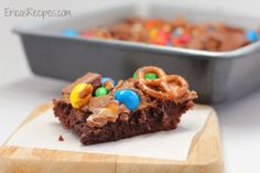 Raid-Your-Kids' Halloween Candy Brownies - Erica's Recipes
