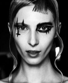 パンクメイクアップ, ファッションメイク, メイクのヒント, メイクアップヘア, メイクアップのアイデア, 山本滑走路, 作る, Alt Makeup, Yohji Yamamoto Makeup