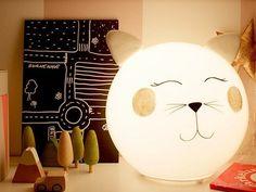"Verpass deiner <a href=""http://www.ikea.com/us/en/catalog/products/70096377/"" target=""_blank"">Fado-Lampe</a> einen etwas freundlicheren Look."