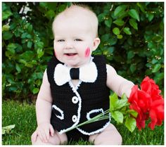A Collection of the Most Adorable DIY & Handmade Valentine Photo Props for Baby | Disney Baby