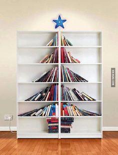 Christmas tree made of books #DIY