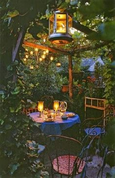 Romantic dinner         |          Outdoor Areas
