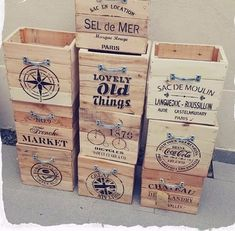 Discover recipes, home ideas, style inspiration and other ideas to try. Wooden Crate Boxes, Wood Boxes, Wood Crafts, Diy And Crafts, Organizer Box, Pallet Crates, Pallets, Wood Transfer, Boutique Deco