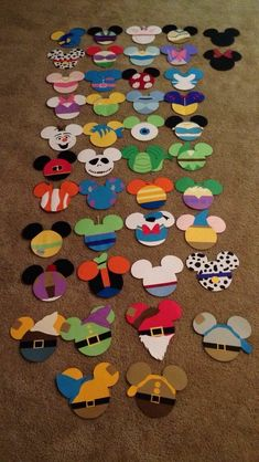 Prayed In The Garden Crafts Ideas Resident Assistant Door Decs Ra Ideas Name Tags Scrapbook Paper Deco Disney, Disney Theme, Disney Fun, Disney Cars, Scrapbook Da Disney, Scrapbook Paper, Scrapbook Borders, Scrapbook Titles, Scrapbook Embellishments