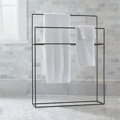 Streamlined with a hint of rustic, simple iron bath accessories outline functionality with a clean, timeless design. Free-standing rack maximizes space with two graduated hanging bars. - My Home Decor Bathroom Furniture, Bathroom Interior, Modern Bathroom, Master Bathroom, Parisian Bathroom, Serene Bathroom, Minimal Bathroom, Small Bathrooms, Towel Rack Bathroom