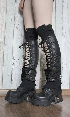 """--> STRICTLY LIMITED TO A SINGLE PAIR!!! <-- Legwarmers made of waterproof textile. Decorative lacing. Calves: up to 34 cm (13"""") Lenght:..."""